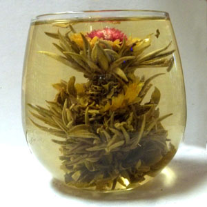 Flowering tea 'Triple Fortune' passionfruit (4 blossoms)